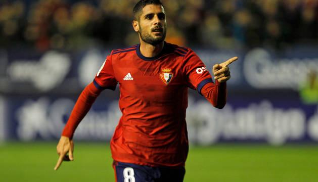 Fran Mérida celebra un gol en El Sadar.