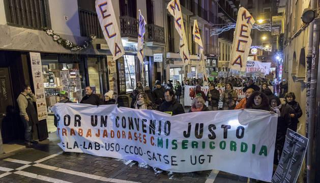 Trabajadores de la Meca se manifestaron el jueves por la tarde en el Casco Antiguo de Pamplona.