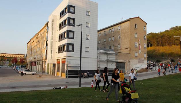 Imagen de un grupo de viviendas de Lezkairu, objeto de rehabilitación en la actualidad.