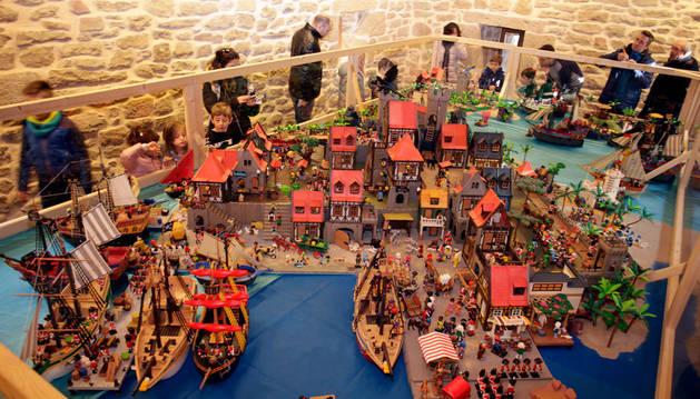 Imagen de los clics de playmobil, que ocupan las cuatro plantas de la Torre de Olcoz.