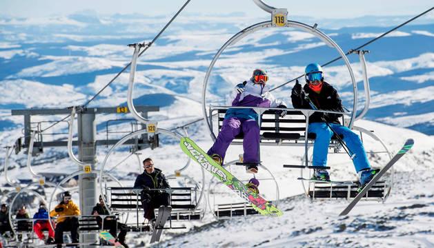 Las estaciones de esquí arrancan la temporada con buenas previsiones