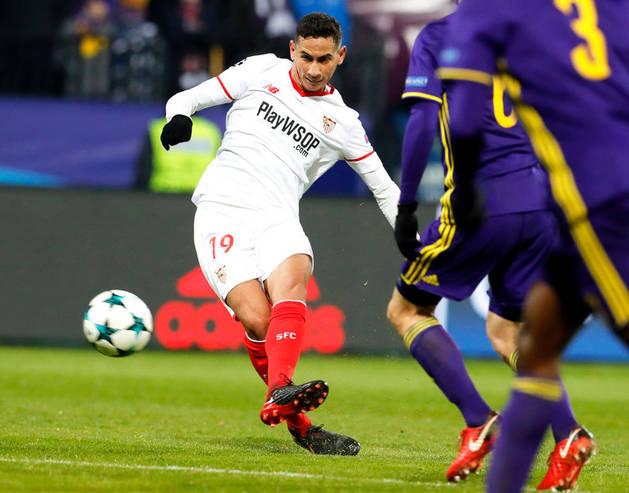 Imagen del momento en el que Ganso anota el gol que dio el empate al Sevilla ante el Maribor.