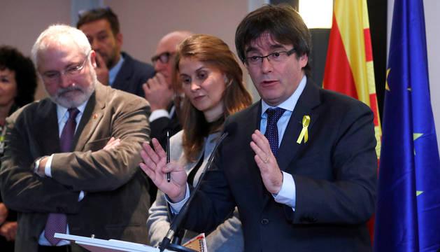 Puigdemont compareció ante los medios de comunicación por primera vez en más de un mes desde que huyera a Bruselas.