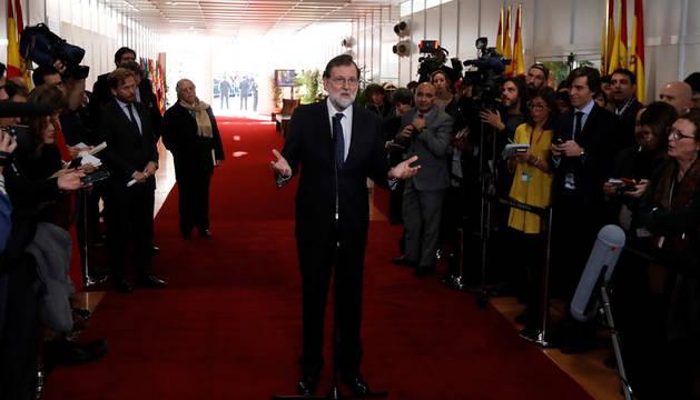 Rajoy, abierto a reformar la Constitución cuando haya