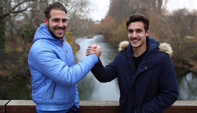 El izarrista Yoel Sola y el tudelano Pablo Lizarraga, ayer en Pamplona, se enfrentan esta tarde siendo de los máximos goleadores de sus equipos.