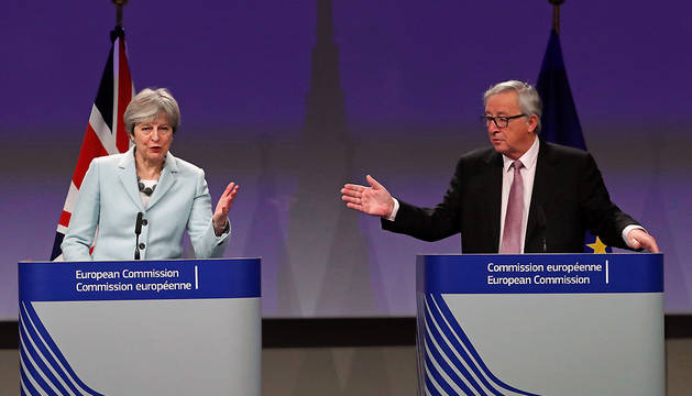 Theresa May yJean-Claude Juncker, durante la rueda de prensa de este viernes para anunciar el acuerdo sobre el Brexit.