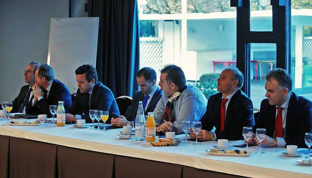 Un grupo de asistentes al acto, durante el desayuno de trabajo de Banco Popular y Diario de Navarra.