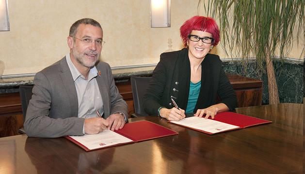 Burgui firma su adhesión a la Bolsa de Alquiler de viviendas del Gobierno de Navarra