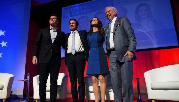 Valls y Vargas Llosa arropan Arrimadas frente al nacionalismo