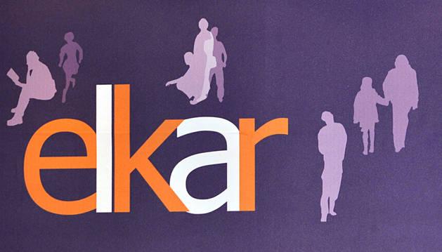 Imagen del logo de la cadena de librerías Elkar.