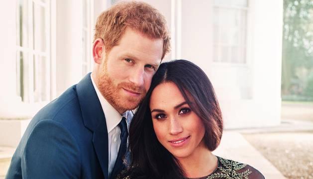 Foto oficial del príncipe Harry y Meghan Markle