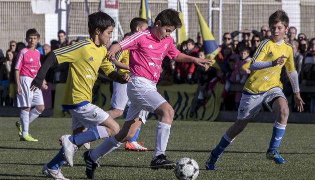 Jugadores de los equipos Luis Amigó y Catalina de Foix disputaron la final de la edición anterior