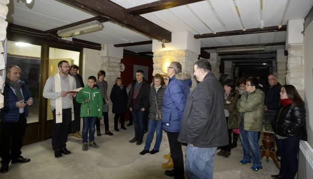 El acto de inauguración contó con la presencia de los belenistas que han preparado los montajes.