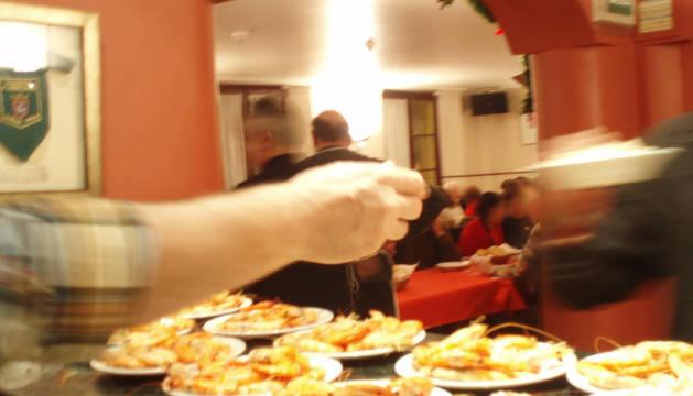 Edición anterior de la cena de Nochebuena del Teléfono de la Esperanza y Gazteluleku en Pamplona.