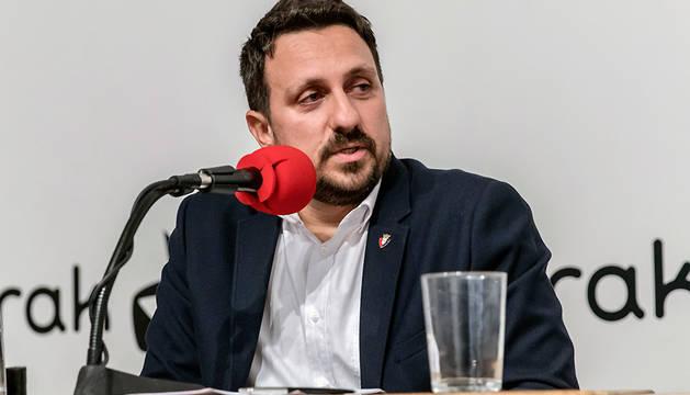Juan Ramón Lafón, durante un debate con otros candidatos a la presidencia de Osasuna, el pasado mes de noviembre.