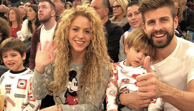 Shakira, junto a Piqué y sus hijos en un partido en de la NBA en Nueva York