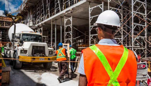 Imagen de trabajadores de la construcción.