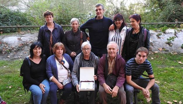 Foto de voluntarios de la huerta solidaria de Sangüesa y su concejo Gabarderal fueron homenajeados por el comedor social París 365 de Pamplona, que recibe los frutos de la iniciativa, el pasado mes de octubre.