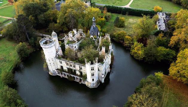 Fotografía facilitada por la web web especializada en financiación popular Dartagnans, del castillo de la Mothe-Chandeniers.