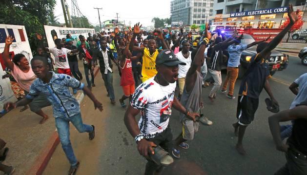 El exfutbolista George Weah gana las elecciones de Liberia