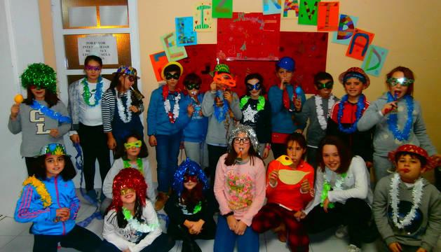Los pequeños posaron en un photocall, preparado por ellos mismos en las aulas de la casa de cultura.