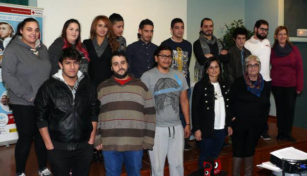 Los jóvenes que han participado en el proyecto 'Aprender Trabajando'