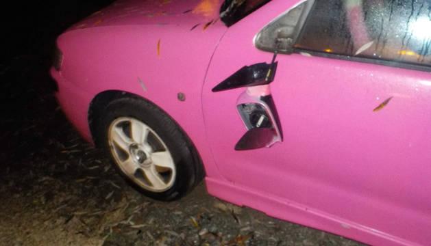 Seis vehículos amanecen con los retrovisores rotos en el parking de los Corralillos