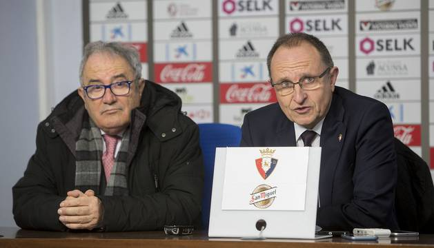 Ardanaz junto a Luis Sabalza tras conocerse la suspensión del encuentro contra el Valladolid