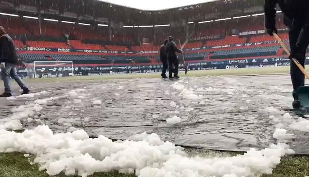 La nieve hace peligrar el Osasuna-Valladolid