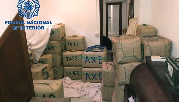 Desmantelada una red de narcos e incautadas tres toneladas de hachís en Cádiz
