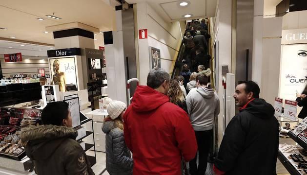 Arrancan las rebajas en Navarra, que generarán unos 2.200 nuevos contratos