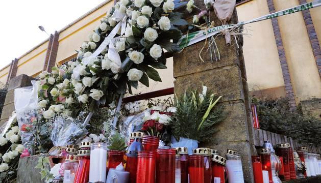 Flores en honor a Diana Quer