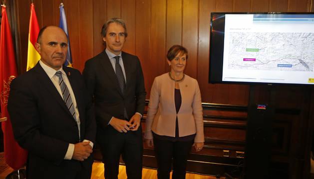 Ayerdi, De la Serna y Tapia, en la Delegación del Gobierno en Navarra.