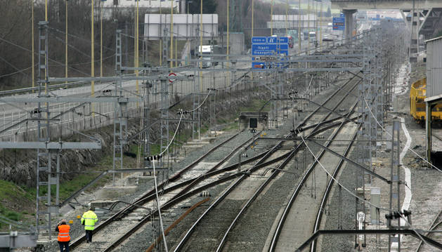Tramo de la línea ferroviaria entre Alsasua y Olazagutía.