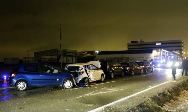 Imagen del estado de los vehículos implicados minutos después del accidente.