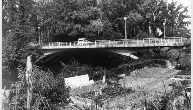 El puente de la Txantrea en una fotografía tomadas en 1960.