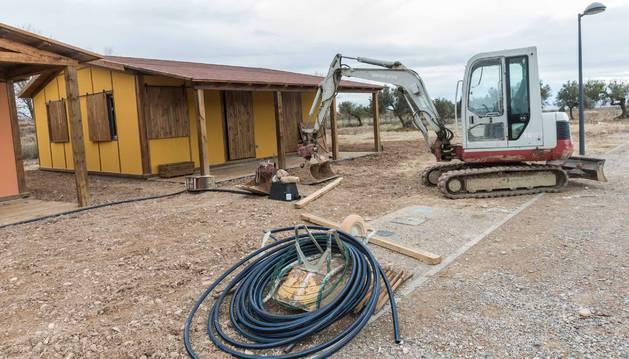 Imagen de los trabajos de construcción del camping Mendianike de Ablitas que abrirá sus puertas en junio.