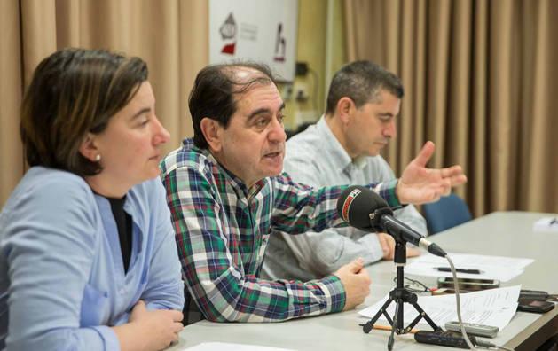 En la imagen, de izda. a dcha., la técnico del Consorcio Eder Elena Fernández; su gerente, Abel Casado, y Eusebio Sáez, presidente de la Comisión Ejecutiva de la entidad, durante la presentación de ayer.