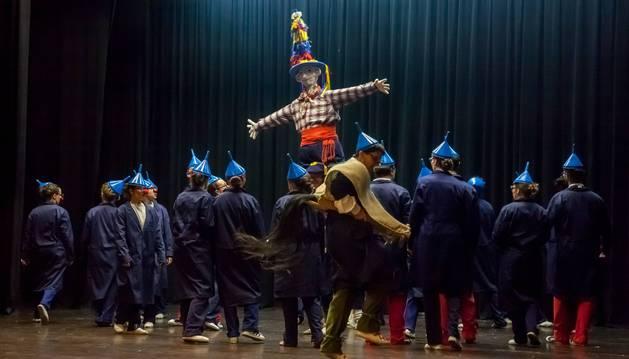 La representación de 'Martin Zalakain' incluye escenas ligadas al Carnaval de Lantz.