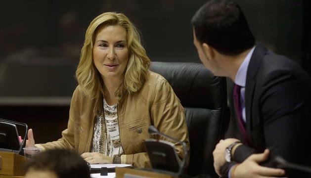 Ana Beltrán, en el pleno del Parlamento de Navarra.