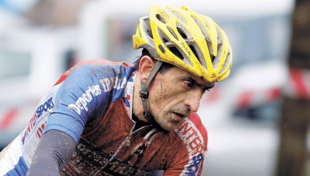 José Lorenzo Esteban, en una prueba de ciclocross del año pasado en Guipúzcoa.