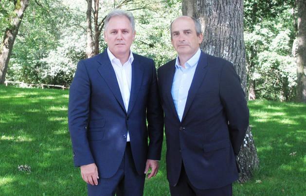 Imagen de José Javier Armendáriz (Clave Mayor) y M. Isaacs (Bantec).