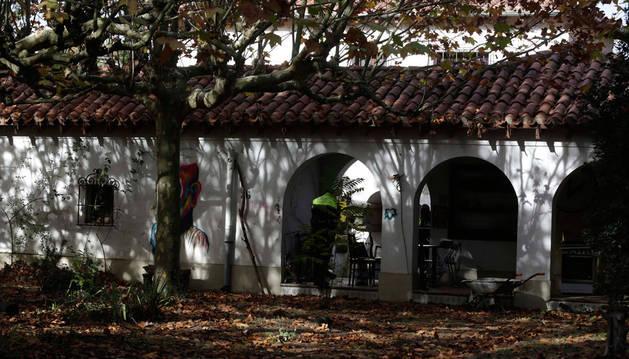 En el mes de noviembre la Policía Municipal se acercó al edificio ocupado del parque de Aranzadi para identificar a los okupas.