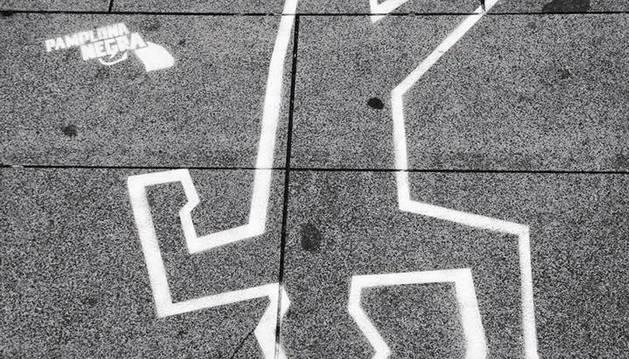 El día que Sherlock Holmes se dejó dibujar: una exposición de 'Pamplona Negra'