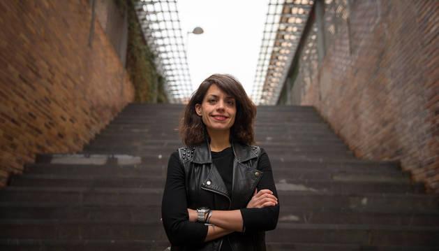 Imagen de Isabel Villanueva Benito en las inmediaciones de la plaza de Yamaguchi de Pamplona.