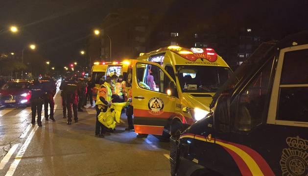 Ambulancias y efectivos de Policía Nacional en el lugar del suceso