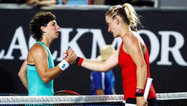 Carla Suárez supera a Babos y pasa a tercera ronda