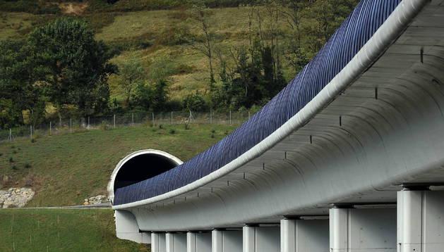 Obras del Tren de Alta Velocidad en Euskadi, cerca de Durango.
