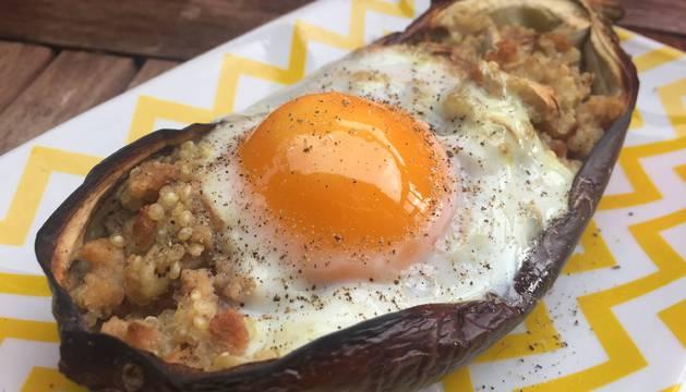Berenjenas rellenas de soja texturizada y quinoa