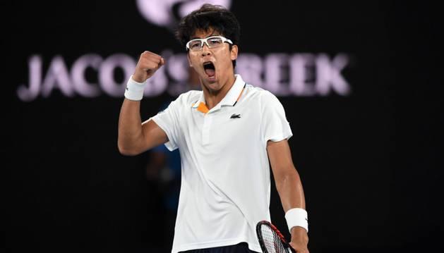 Hyeon Chung celebra un tanto durante su partido de la cuarta ronda del Abierto de Australia